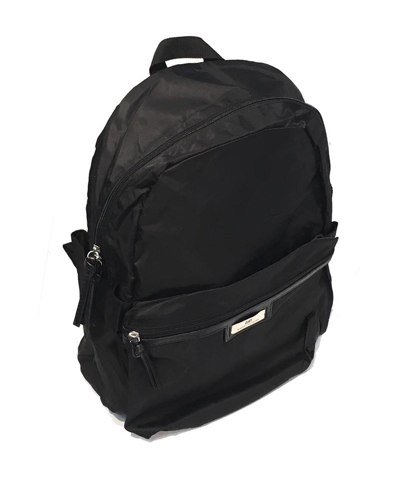 lille sort rygsæk